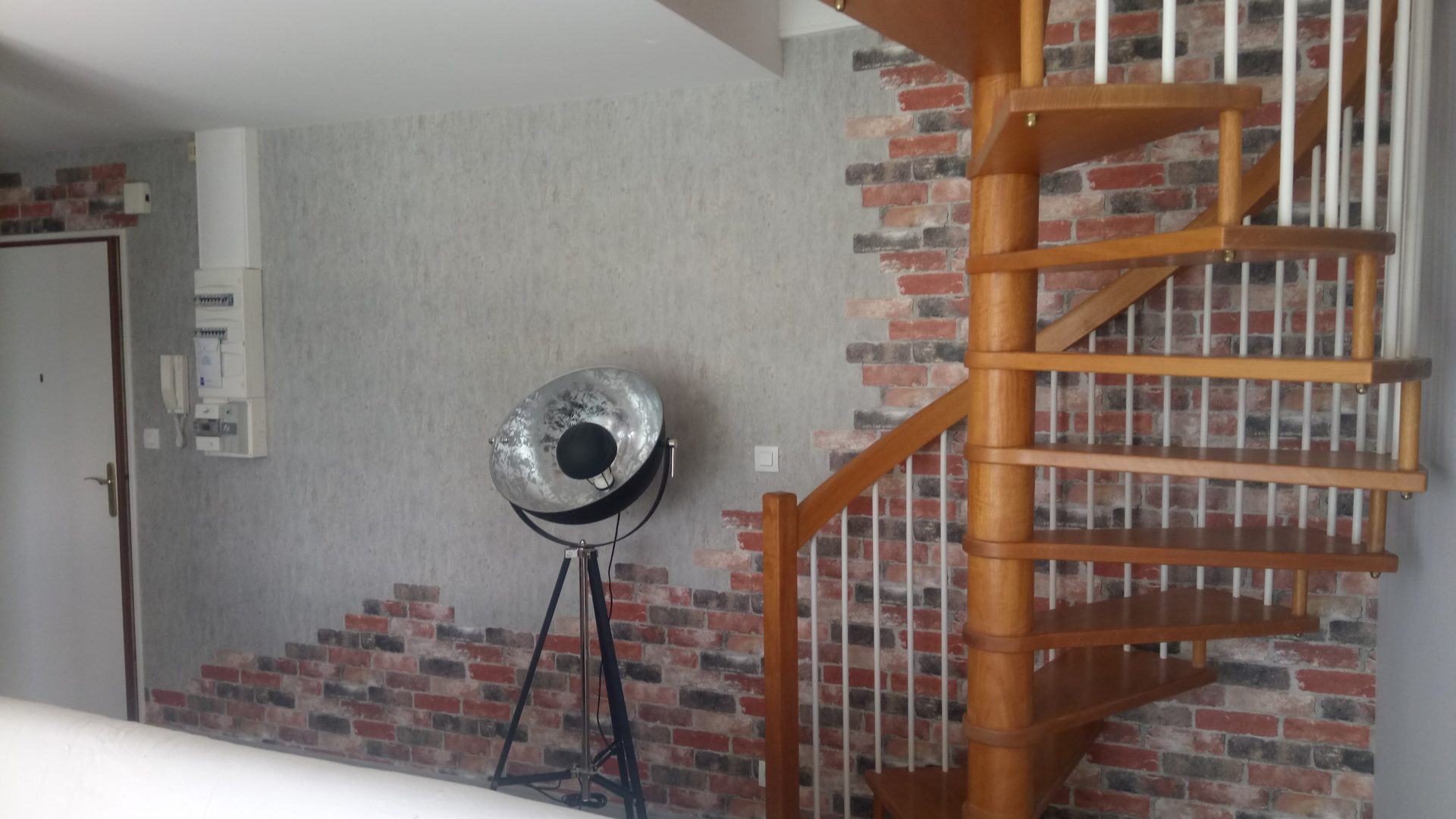 Quimper Nord decoration interieur effet fausse brique 11 - Peinture décoration
